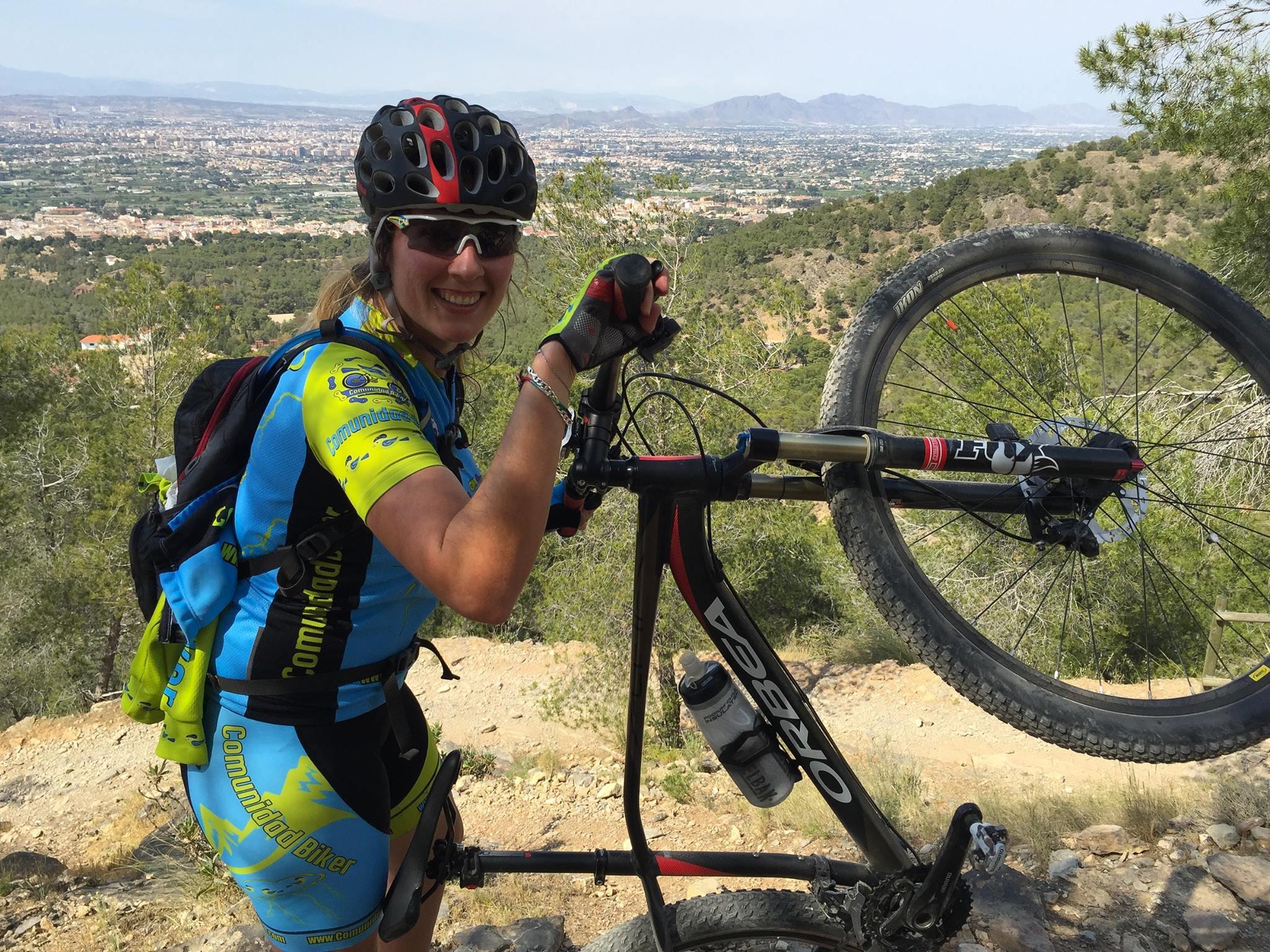Crónica ruta MTB de viernes por las Columnas del Relojero con la comunitaria Laura