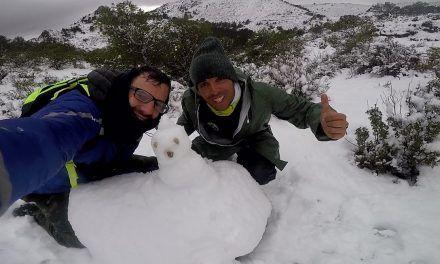 Ruta de Senderismo con nieve por la Sierra del Corque
