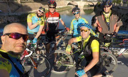 Crónica Ruta de ciclismo de carretera de regreso del comunitario Kronxito por río Segura hasta Murcia en puente Manterola