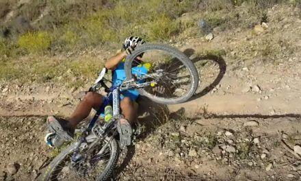 Las 10 cosas que no debes hacer cuando sales en bicicleta