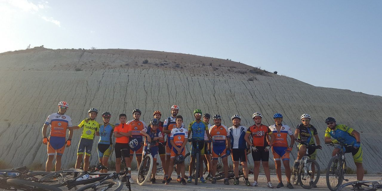 Crónica ruta MTB Iniciación avanzada a la técnica por Badland en Fortuna y Abanilla y Rambla de la Parra con Club Ciclista Fortuna Team