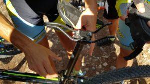 Cruda realidad sillín fuera del soporte de hierro del comunitario Aitor por Comunidad Biker MTB