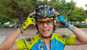 Técnica de descenso de escaleras en ciclismo de montaña - El casco para descenso de escaleras