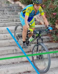Técnica de descenso de escaleras en ciclismo de montaña - Tomar los escalones en perpendicular