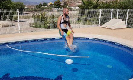 Siguiendo la rueda del comunitario Kronxito en ciclismo de carretera por Cortao de las  Peñas y baño en piscina
