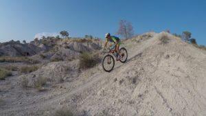 Descenso de rampa MTB BTT del comunitario Iván por las Salinas de Molina por Comunidad Biker MTB