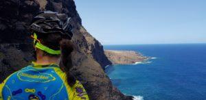 Acantilados de los Gigantes en Punta de Teno en Tenerife por Comunidad Biker MTB