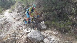 Ciclismo de montaña por trialera en Senda de Cerverosa Barranco del Mulo por Comunidad Biker MTB