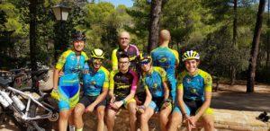 Grupeta comunitaria de ciclismo de carretera en La Marina en Sierra Espuña por Comunidad Biker MTB