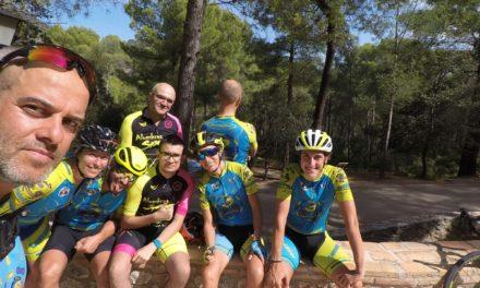 Primera ruta larga y con puerto duro en ascenso al Morrón de Espuña en ciclismo de carretera y picadura del pollo monumental