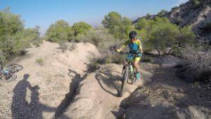 Técnica de ascenso en ciclismo de montaña MTB BTT BXM por Salinas de Molina por Patricia Carmona por Comunidad Biker MTB