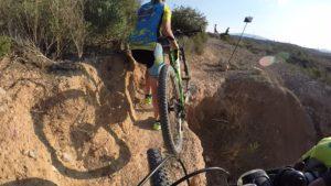 Socavón en el Tomillar en ruta de ciclismo de montaña por Comunidad Biker MTB