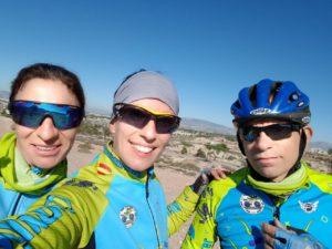 Comunitarios Patricia María y Alino entrenando la duatlón cross de Corvera por Comunidad Biker MTB