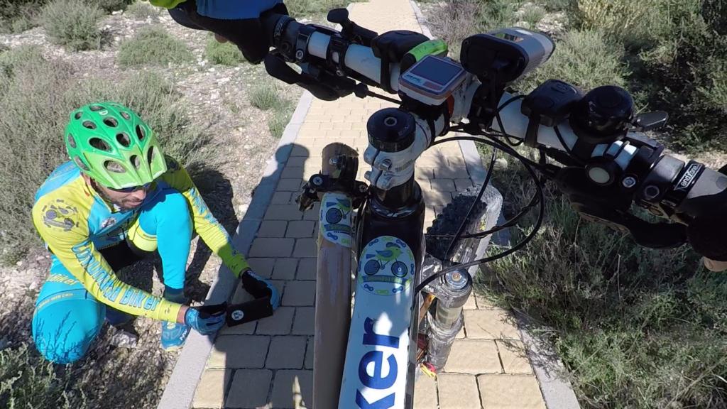 Camarógrafo en Scalextric en ruta de ciclismo de montaña por Comunidad Biker MTB
