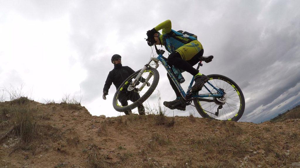 Ascenso técnico MTB BTT ciclismo de montaña por comunitario Antonio Asís en las Salinas de Molina por Comunidad Biker MTB