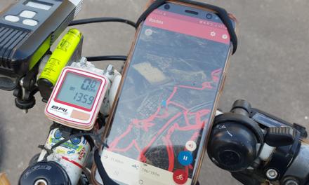 Seguir una ruta en ciclismo de montaña con el móvil y la App gratuita Routes